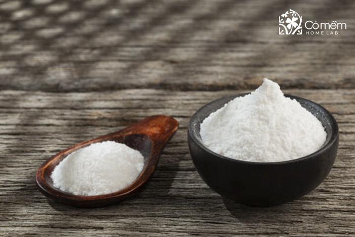 Kết hợp phèn chua và bột gạo để khử mùi hôi nách